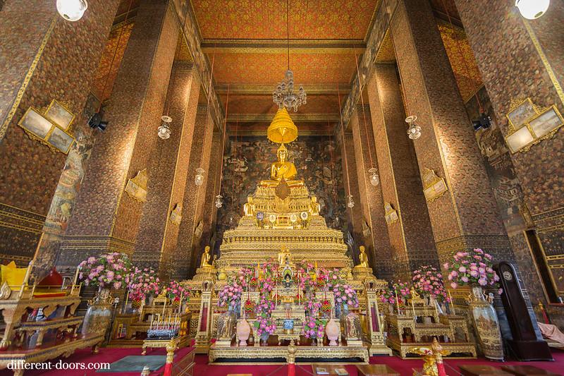 temple of the reclining Buddha, Wat Pho, Bangkok, Thailand, ordination hall