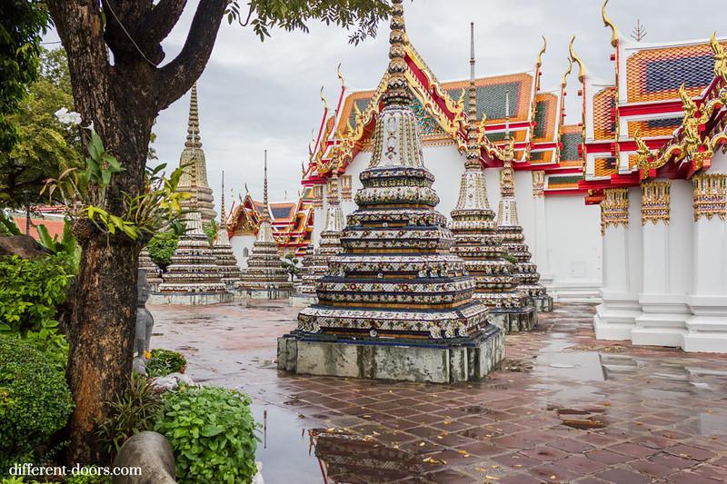 temple of the reclining Buddha, Wat Pho, Bangkok, Thailand, chedis