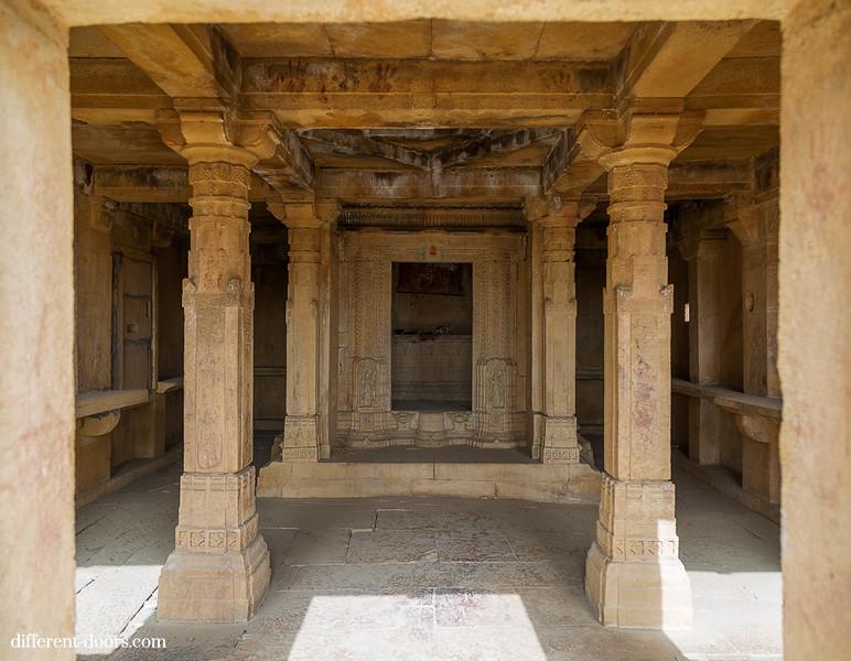ghost town in India Kuldhara, ruins, Rajasthan, temple