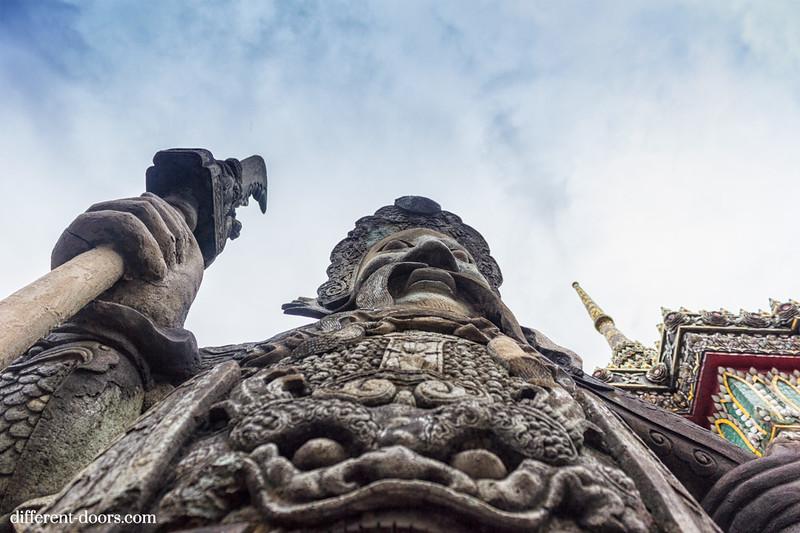 temple of the reclining Buddha, Wat Pho, Bangkok, Thailand, Chinese Guard